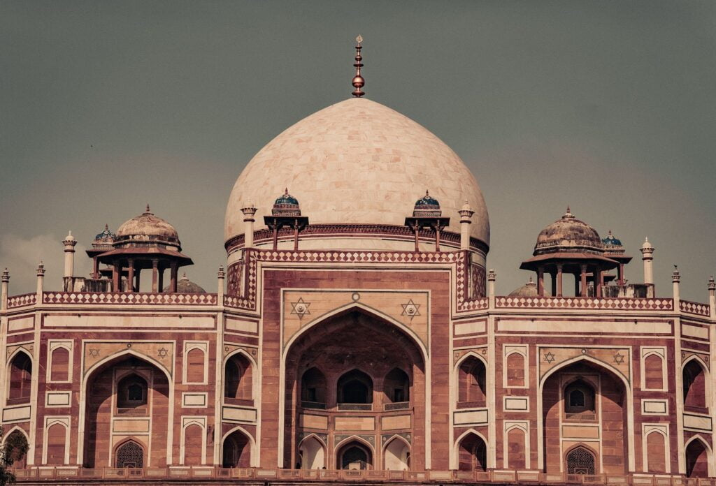 Bleisure Travel 2021: All you need to know about Bleisure Travel Trends: Humayus Tomb